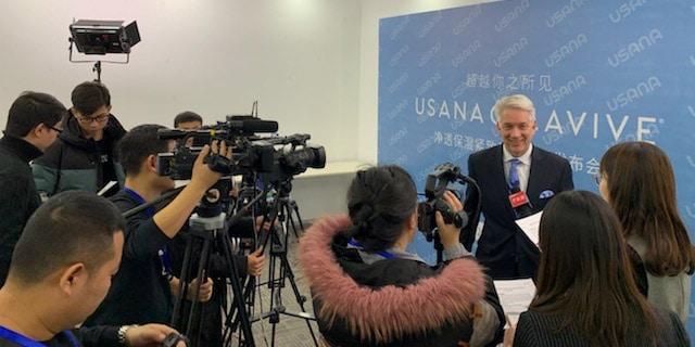Meeting with members of the media in Beijing.